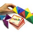 Compuesto de 24 tetraedros magnéticos, con 20 tarjetas